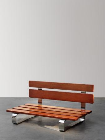 banc charlotte perriand cr en 1966 designer fran aise. Black Bedroom Furniture Sets. Home Design Ideas